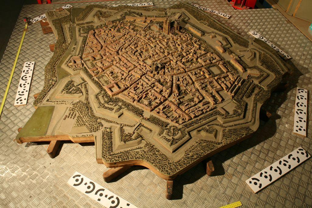Photographie de la table de ville
